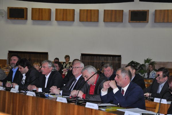 O zmene rozpočtu rozhodovali poslanci na marcovom zasadnutí.