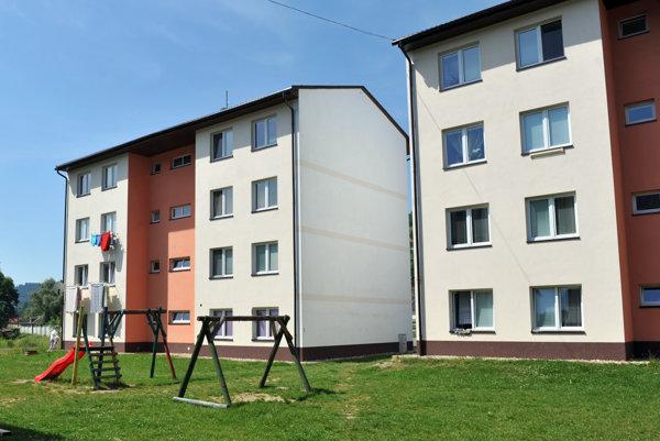 Niektoré obce pri výstavbe nájomných bytov porušujú zákon o verejnom obstarávaní.
