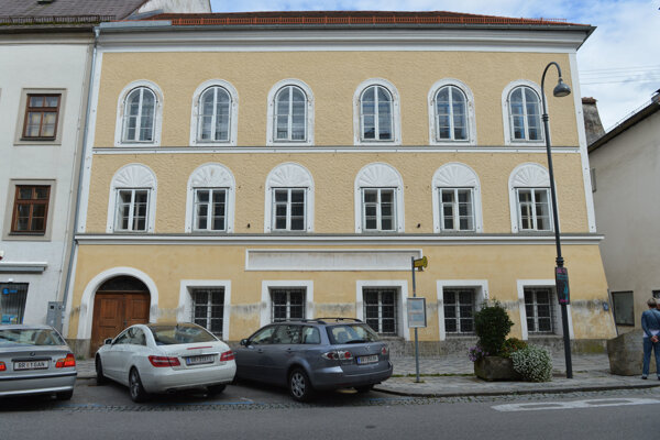Hitlerov rodný dom v Braunau am Inn.
