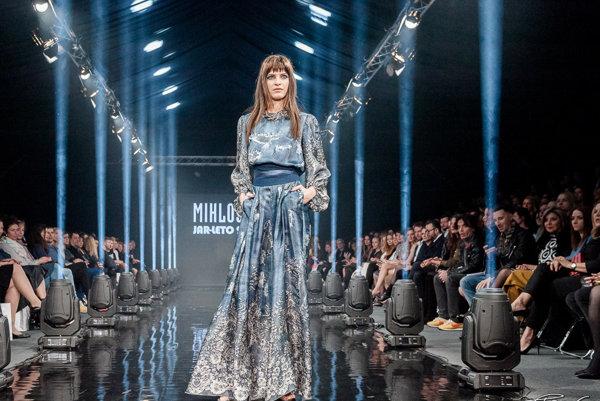 Šaty z kolekcie Fera Mikloška