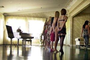 Prostitúcia alebo otroctvo prináša organizovaným skupinám porovnateľné zisky ako obchod s drogami.