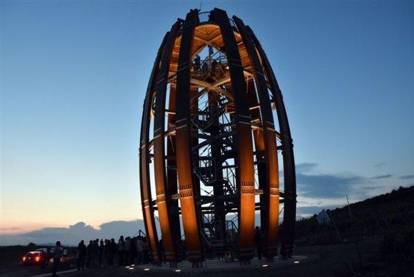 Vyhliadkovú vežu v Malej Tŕni oceňujú nielen odborníci, ale aj návštevníci Tokajskej oblasti.