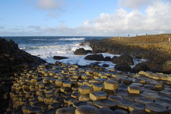 Severoírska turistická atrakcia Giant's Causeway.