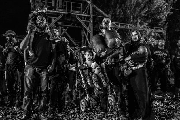 Zo série Nočný vlakový transport utečencov do Európy - Tovarnik, Chorvátsko, 19.09.2015.
