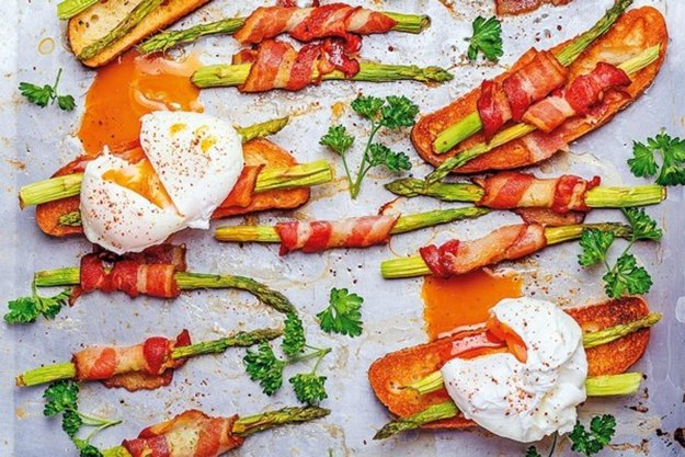 Grilovaná špargľa so slaninou