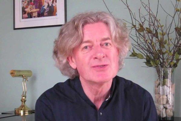 Dirigent James Judd.