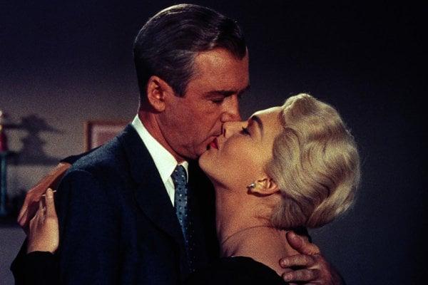 James Stewart a Kim Novak v najlepšom filme všetkých čias, Hitchcockovej dráme Vertigo (1958).