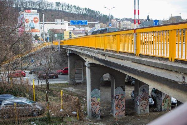 Starý cestný most v Trenčíne.