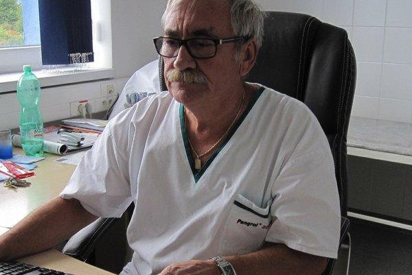 Ladislav Hájek vo svojej ambulancii zaznamenal nárast onkologických ochorení až o osemdesiat percent.
