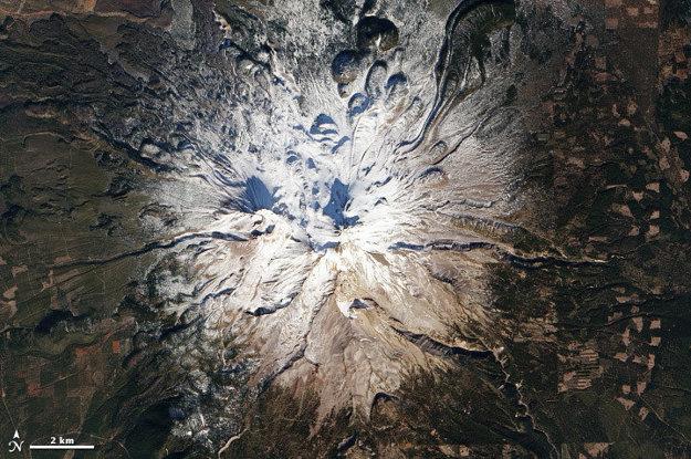 Zima na Kalifornskej neaktívnej sopke Shasta.
