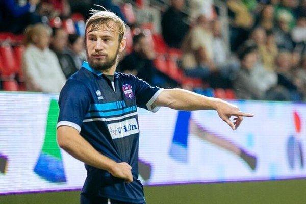 Dejan Školnik prispel dvoma gólmi k očakávanému víťazstvu ViOnu, ktoré sa však nerodilo ľahko.
