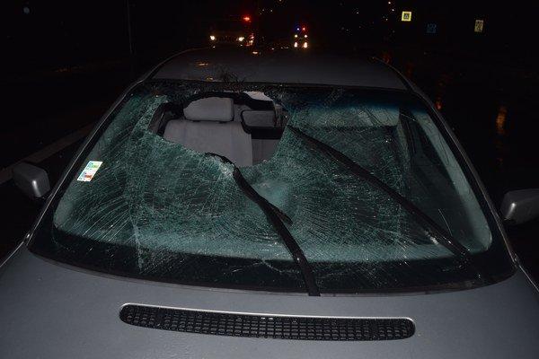 Polícia hľadá svedkov včerajšej večernej nehody na Klokočine. Prihlásiť sa môžu na ktorejkoľvek policajnej stanici alebo na čísle 158.
