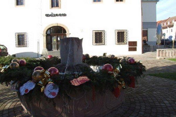 V Novej Bani prvýkrát fontánu vyzdobili minulý rok.