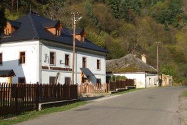 Hodruša-Hámre. Vodiči ju v hlasovaní zaradili k najkrajším cestám Slovenska.