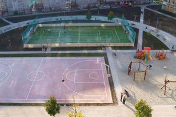 Žiarske sídlisko Centrum 2 má novú oddychovú a športovú zónu.