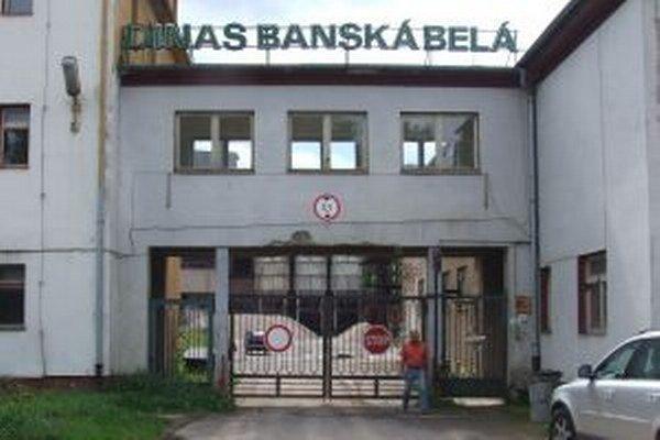 Dinas Banská Belá. V roku 2008 výroba v závode skončila, v blízkej dobe by sa k nej chceli vrátiť.