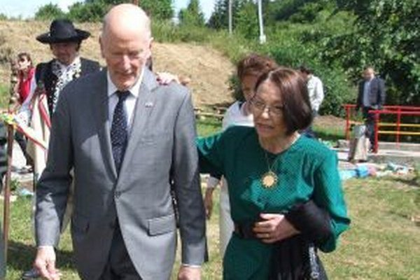 Simeon Sachsen-Coburg Gotha prišiel aj s manželkou.