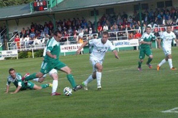 Michal Páleník otvára skóre.