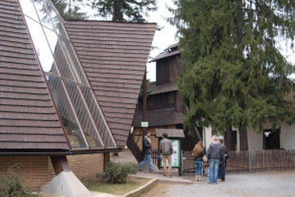 Najnavštevovanejšou expozíciou je banské múzeum v prírode.