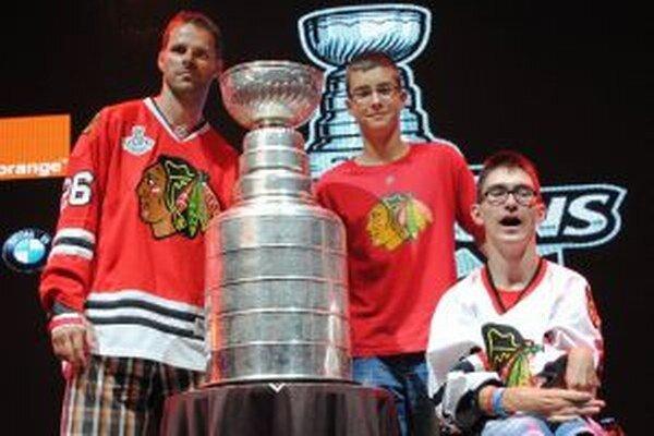 Michal Handzuš s Martinom a Dankom. Žiarčania si siahli na Stanley cup.