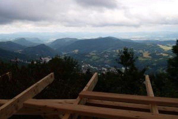Rozhľadňa na Krahulskom vrchu otvorí nové výhľady na Kremnicu.
