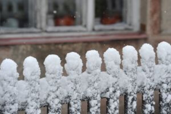 V regióne snehová kalamita ľudí neodrezala.