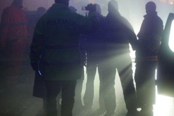 Na mieste sú policajní špecialisti.