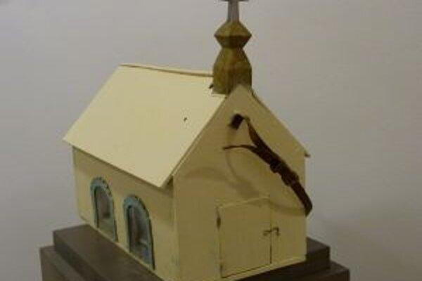 Prenosný betlehem z Lúčok chátral na pôjde.