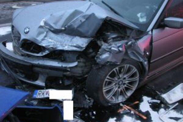 Vodič BMW nedal prednosť protiidúcej Fabii.