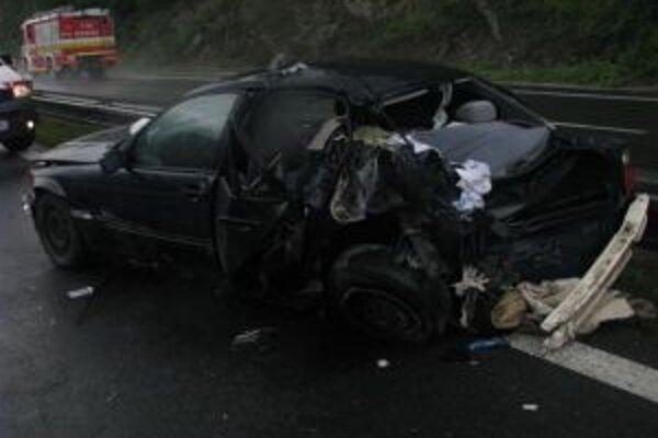 Žiarčan dostal šmyk. Nehodu neprežil jeho 26-ročný spolujazdec.