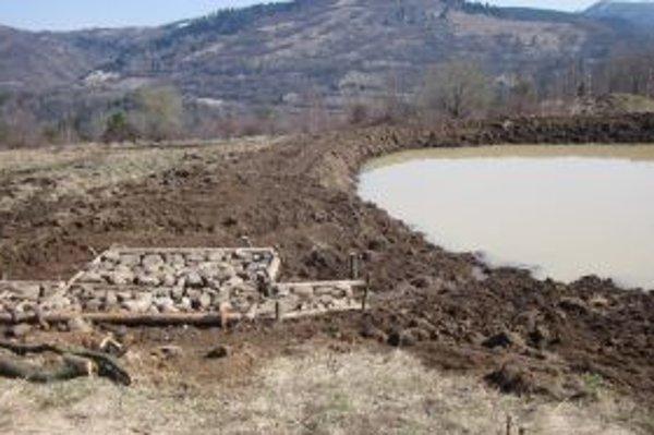 Jedna zo zadržiavacích nádrží vznikla neďaleko kremnickej kalvárie.