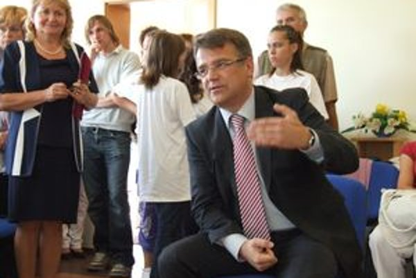 Minister zdravotníctva Ivan Uhliarik v pastoračnom centre.