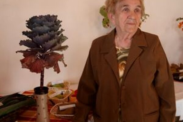 Pestovateľka Mária Valušková sa môže pochváliť takýmto exemplárom ozdobnej kapusty.
