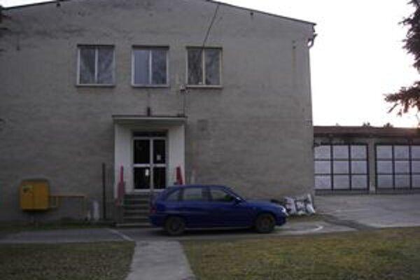 Žiarska hasičská stanica. Približne o rok by mala táto budova vyzerať úplne inak.