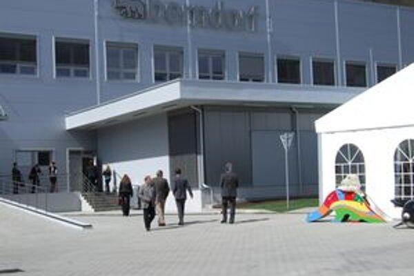 Spoločnosť Berndorf. V Žarnovici otvorila nové logistické centrum.