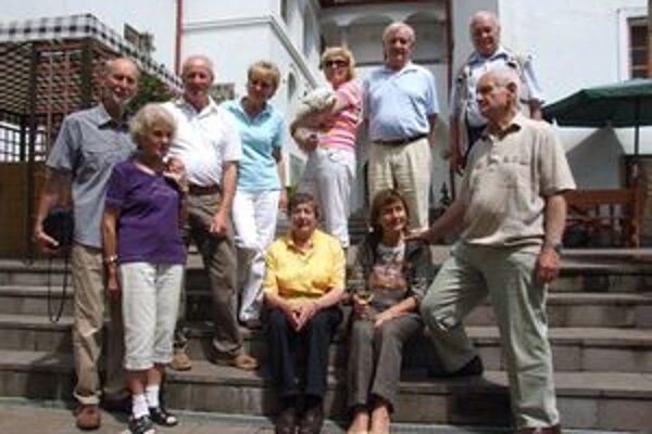 Rodina Kremnitzer prišla do mesta svojich predkov.