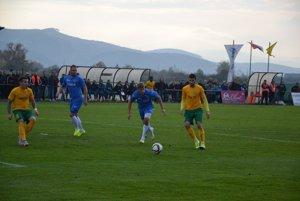 Vedúci gól Žiliny dal Haskič (vpravo v žltom)