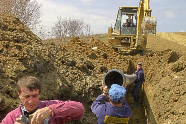 V troch obciach vybudujú kanalizáciu.