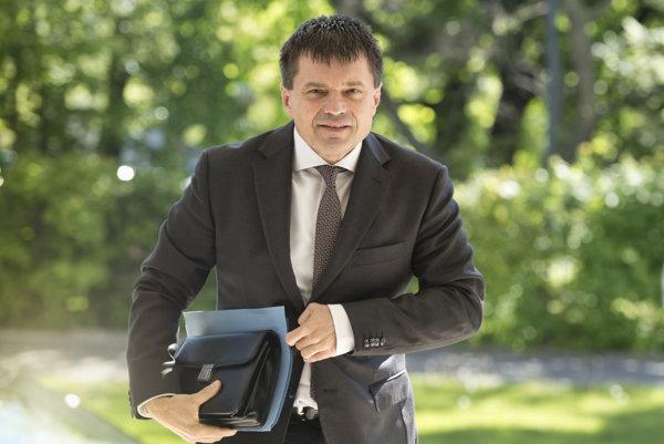 Minister školstva Plavčan.
