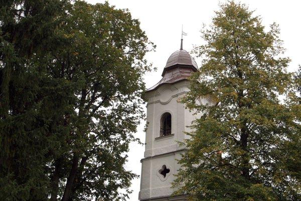 V evanjelickom kostole v Hrochoti pôsobil ako farár aj básnik Andrej Sládkovič.