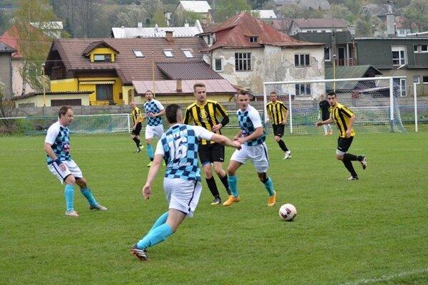 Futbalisti Krásna zdolali silné mužstvo z Liptovského Hrádka.