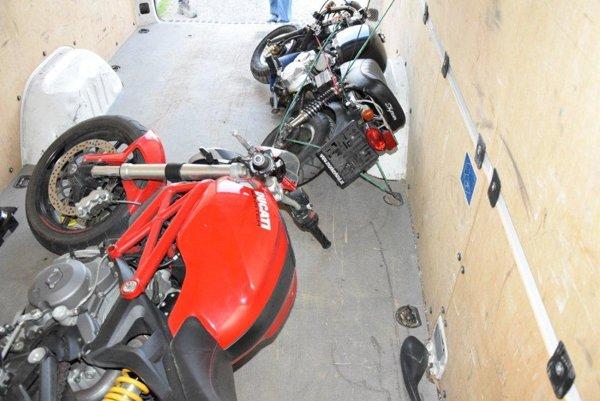Ukradnuté motorky.