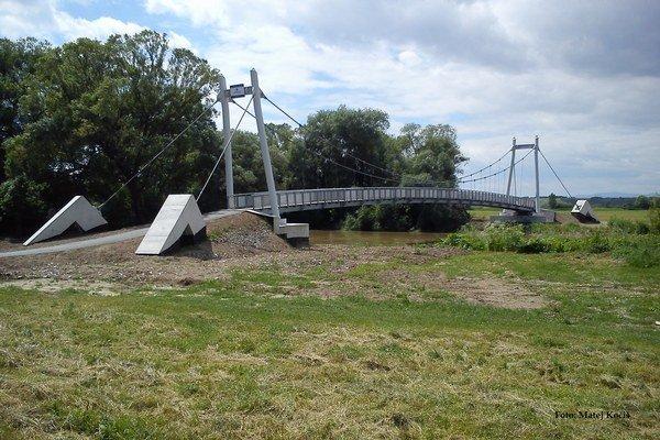 Cyklolávka. Patrí medzi atrakcie slovensko-maďarskej cyklotrasy.