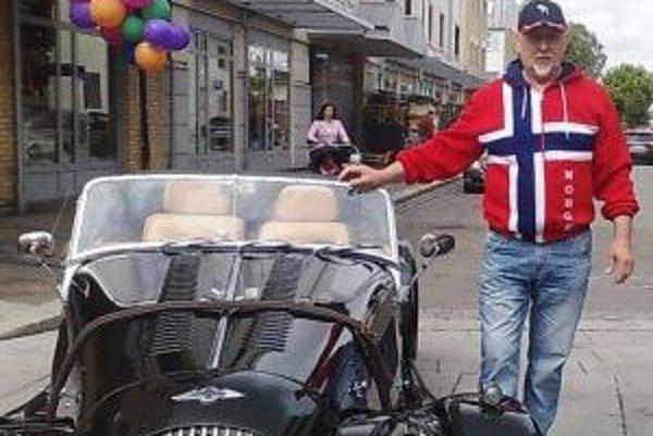 Nórsko spoznáva Ján Mlynár doslova za jazdy.