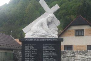 Zrekonštruovaný pomník už stojí na svojom pôvodnom mieste.