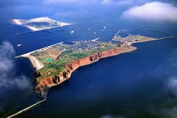 Helgoland s vedľajším ostrovom nespoja.