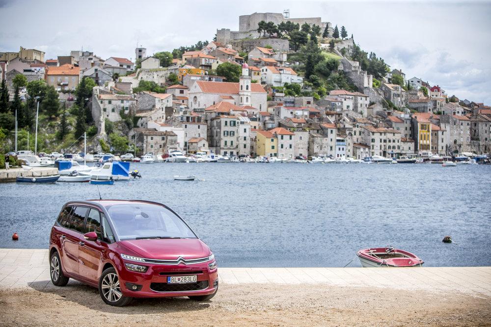 Takýto výhľad sa turistom môže naskytnúť pri návšteve mesta Šibenik.