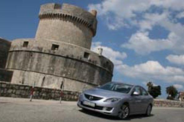 Auto patrí k Chorvátsku najmä pre tých, ktorí si chcú na pobreží Jadranu užívať slobodu a veľa vidieť. Cesta je opäť o niečo rýchlejšia.