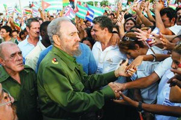Naposledy rečnil Castro na verejnosti presne pred rokom v Holgúne. Odvtedy sa len pomaly zotavuje z operácie žalúdka.
