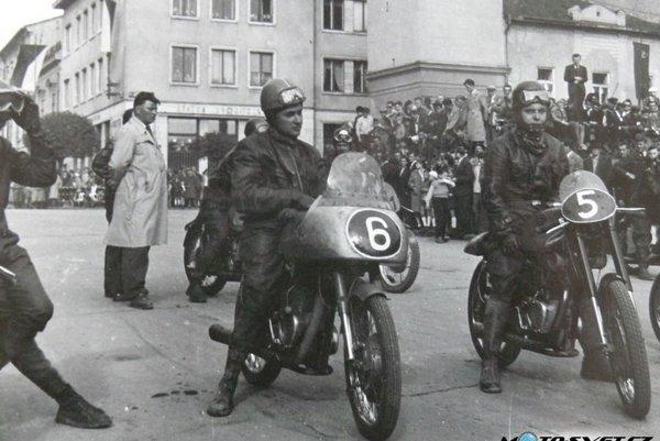 Rok 1958.